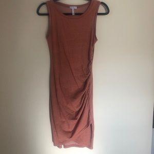 EUC rust color Leith bodycon dress w/ruching sz S